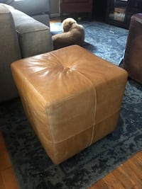 Pottery Barn ottoman leather cube  Los Angeles, 91423