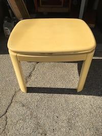 Square brown wooden side table 2246 mi