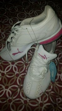 pair of white-and-pink Nike running shoes Riverside, 92507