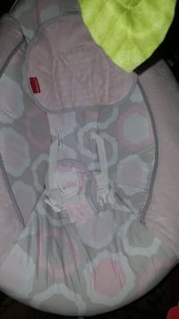 baby's gray and pink bouncer Fort Belvoir, 22060