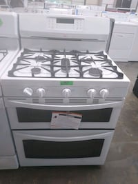 Gas stove new scratch and dent Kenmore Bowie, 20715
