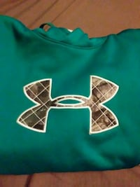 Under armour M girls teal and camo hoodie Oswego, 13126