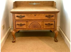 Chippendale Queen Anne Lowboy