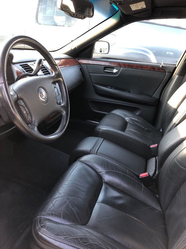 Cadillac - DTS - 2006 - V8 ENGINE - ONE OWNER 3