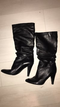 Black leather boots - size 8.5/9 Toronto, M6K 3P8