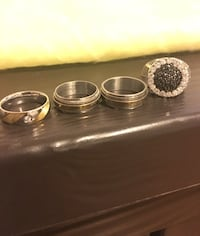 4 stainless steel rings size 8 Jersey City, 07304