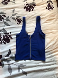 Size small urban planet crop top