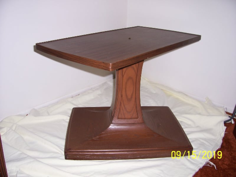 Amazing Table -- Table Top pivots -- Base is on wheels -- Excellent Condition a0e7f577-3d2c-4357-88ae-21be2a82fe26
