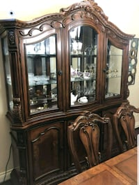 DINING ROOM AND CHINA CABINET ONLY 6 MONTHS USED  Austin, 78724