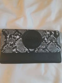 GUESS, wallet noir/gris blanc, neuf Montreal, H1M 2Y7