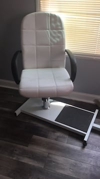 White leather pedicure chair and rolling chair Seat Pleasant, 20743