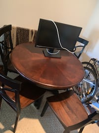Dining room table and chairs set Fairfax, 22033