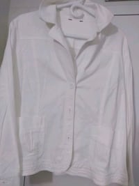 Ladies white jacket London, N6H 4P4