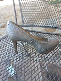 8 1/2 sized Guess sparkly pumps  Bernalillo, 87004