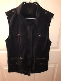 black zip-up vest 417 mi