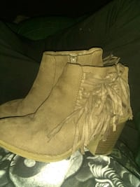 Womens shoes Muskegon, 49444