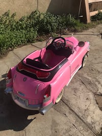 Pink vintage ride-on toy car Colton, 92324