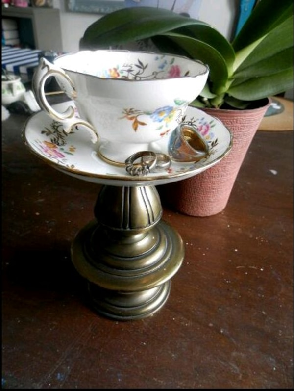 Tea cup Jewelry/ring holder (or candle holder)