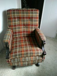 Plaid chair 309 mi
