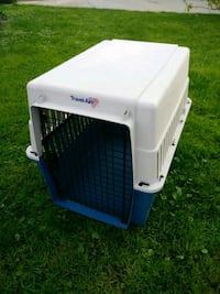 white and blue pet carrier Perrysburg, 43551