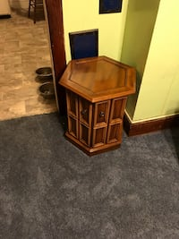 Small octagon stand  Hagerstown, 21742