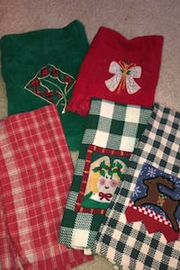 Holiday towels Richfield, 53033