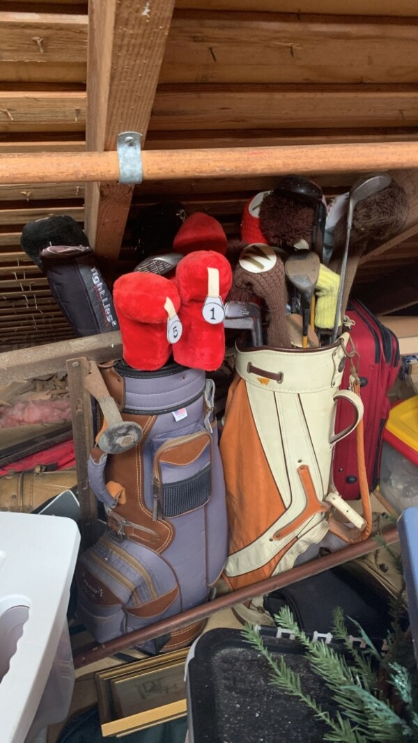 Vintage golf clubs I have more bags of them just can't reach them behind the other bags they would be thrown in for free 8565d6c5-5777-4ad6-ae4e-b56478081b83