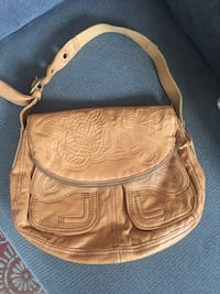 Brown leather shoulder bag very good condition never has been used it's a lucky brand leather handbag  Santa Barbara, 93103