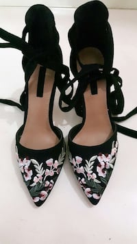 black and pink floral heels Thane, 400606