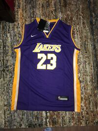 Never worn Nike Lakers jersey. Kids XL but fits as a mens small. Price negotiable Camarillo, 90012