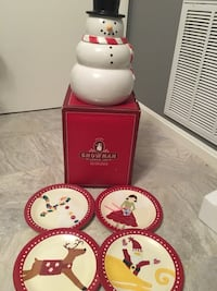 Holiday cookie jar and plates 15 km