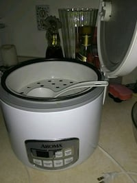 Used excellent condition rice cooker Alexandria, 22315