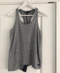 Y-3 Tank top , size small  Hampstead, H3X 3N4