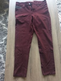 Calvin Klein Burgundy Stretchy Ankle Pants Size 6 Toronto, M4W 3S8