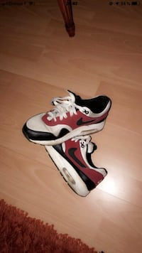 Air Max blanches et rouges  Massy, 91300
