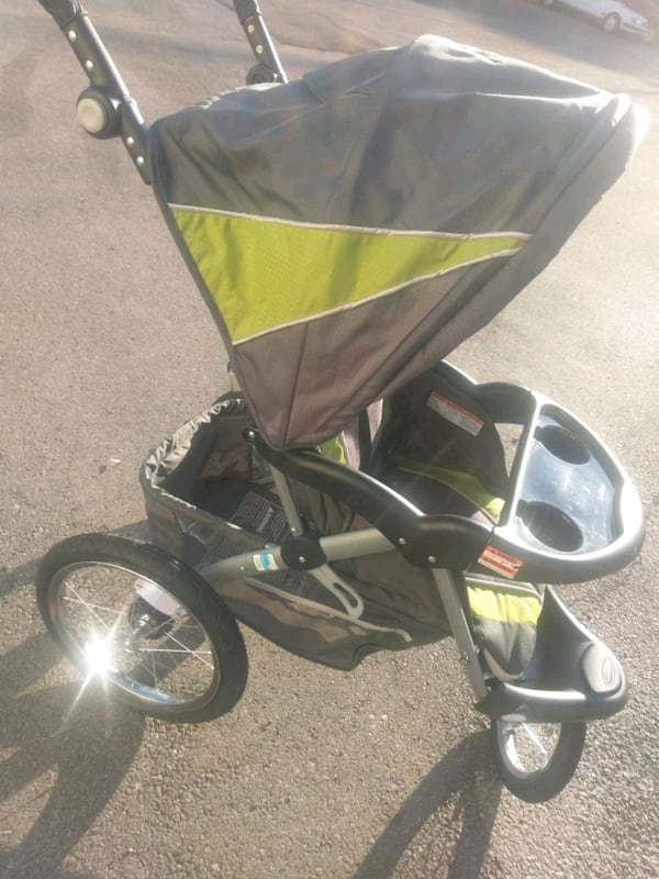 Baby Trend Expedition ELX a8b4cb02-4510-4532-acc7-0dd88a511afd
