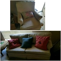 Love seat and 4 arm chairs and throw pillows Lafayette, 70506