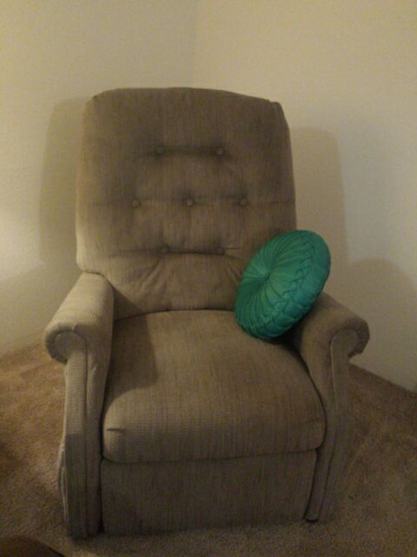 Used Recliner For Sale In Kalamazoo Letgo
