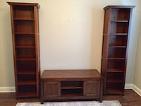 Wood entertainment system with book shelves  Mandeville, 70448