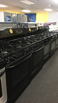 Black gas stoves excellent condition  Windsor Mill, 21133