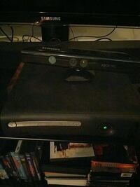 Xbox 360 with kinect, 3 controllers and 20 games Kitchener, N3A 3E4