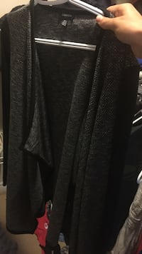 black and gray long-sleeved shirt Lincoln, L0R