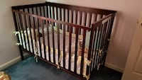 brown wooden crib and pooh bumper Marydel, 19964