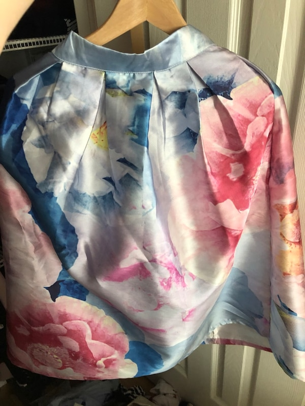 Gorgeous watercolour skirt size small  5a7e96a1-b554-42df-a51a-05f7a272d2db
