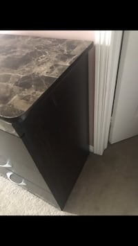 Black and gray wooden cabinet Mississauga, L5W 1L9