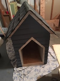Gray and white wooden pet house Patterson, 10509