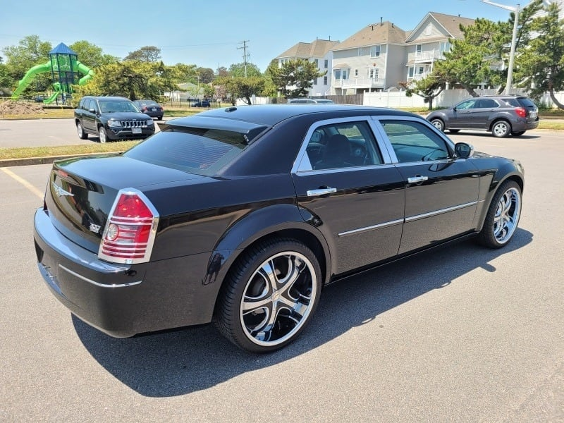2010 Chrysler 300 Touring Only 58K Miles - CLEAN CARFAX! 6e6a2e06-7513-4886-9639-f49df7f55d91