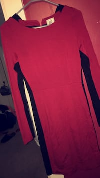 Red and black scoop-neck long-sleeved dress