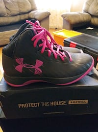 Under armour black and pink women's size 8.5