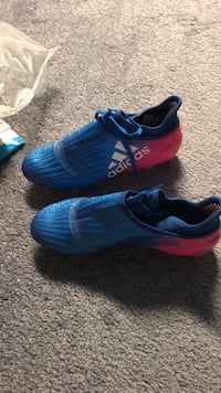 Soccer shoes new size 7 Indiana, 15701